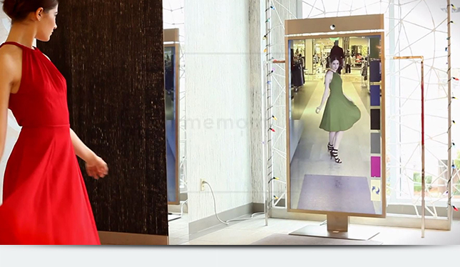 Цифровое зеркало в примерочной